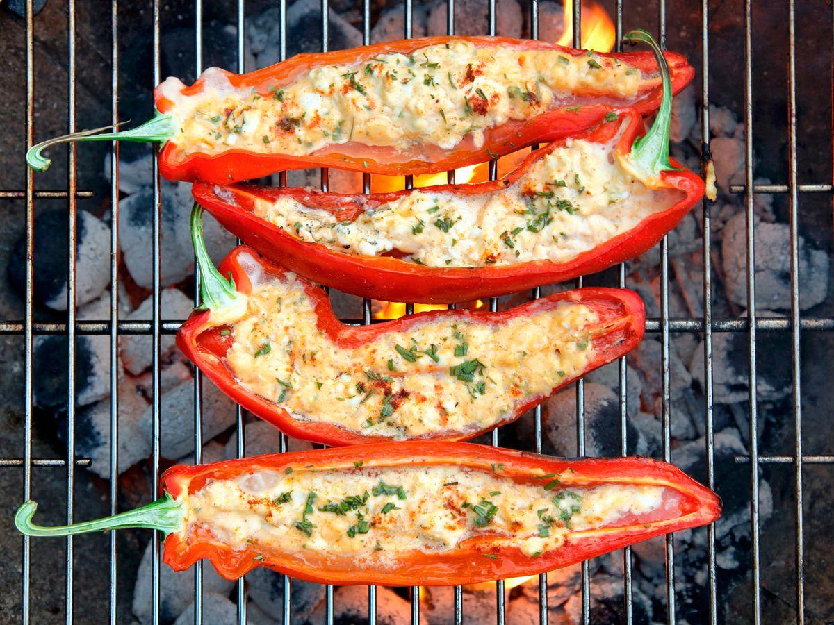Paprikaschoten mit Hirse-Hüttenkäse-Füllung #vegetariangrilling
