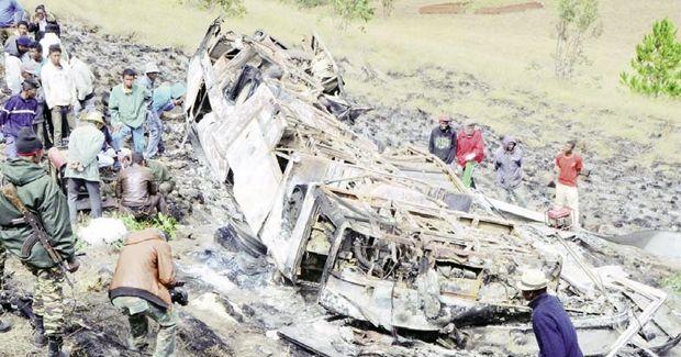 Madagascar: crash d'un «Boeing» à Ankazobe: au moins dix-huit ... - L'express Maurice