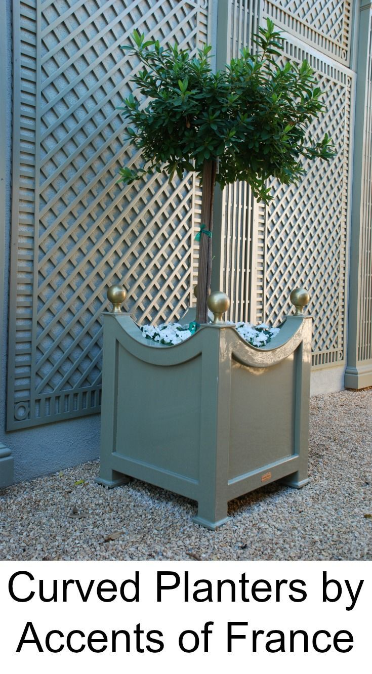Curved Planter And Wall Covered With Lattice From Accents Of France