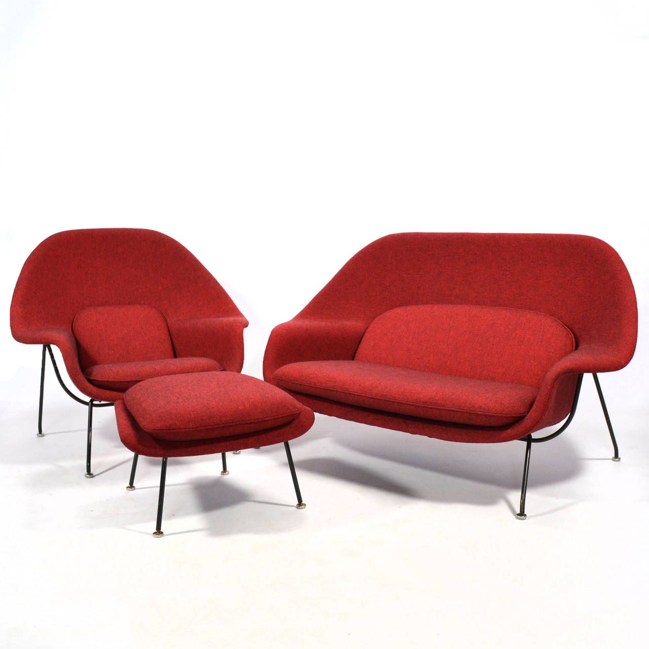 Eero Saarinen Womb Settee Upholstered In Alexander Girard Fabric 10