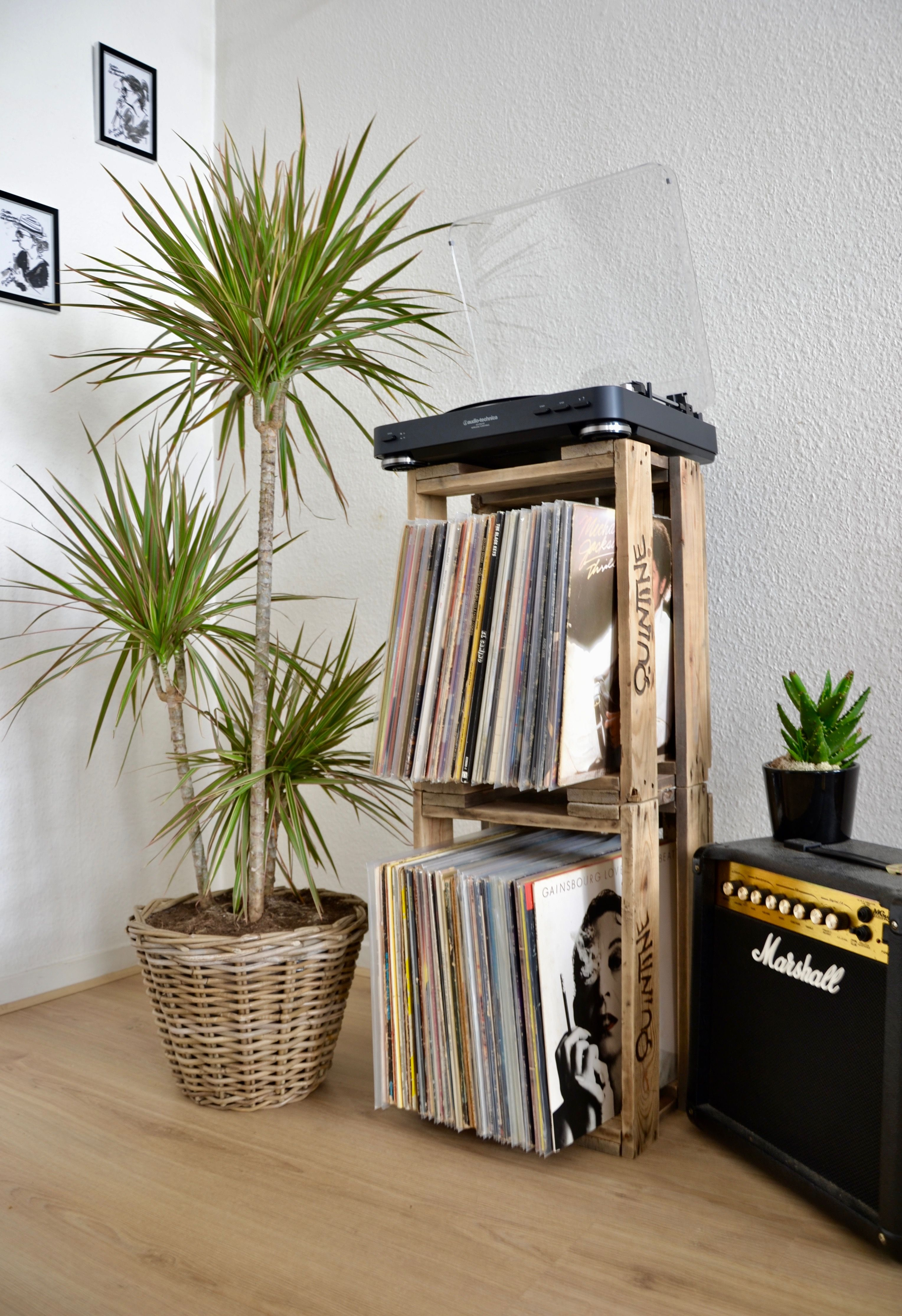 Meuble A Vinyles Ou Meuble A Rangement Type Bibliotheque Fait A