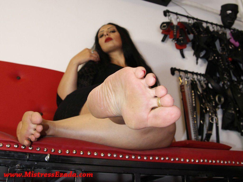 Jasmine Shy Lesbian Feet