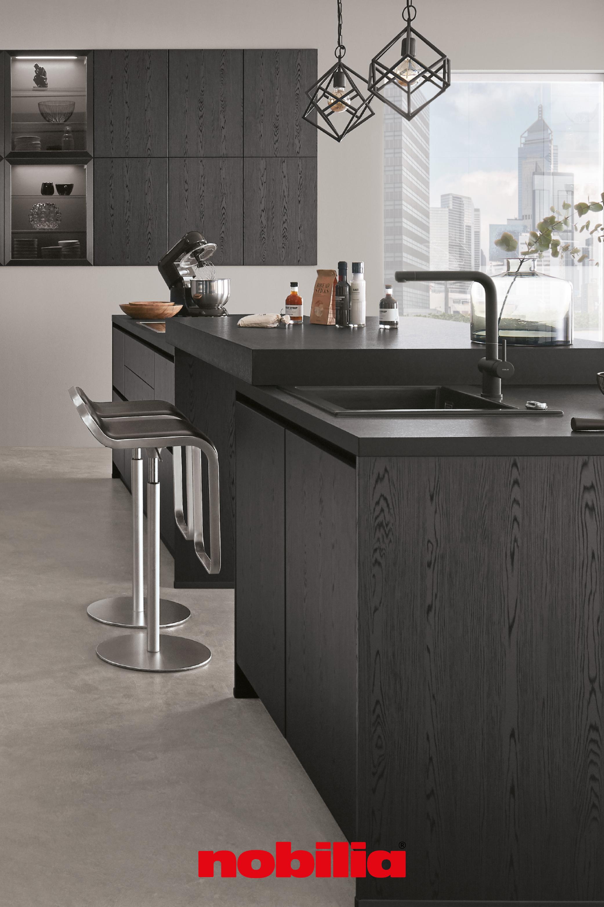 modernes küchendesign trifft auf dunkle töne das elegante