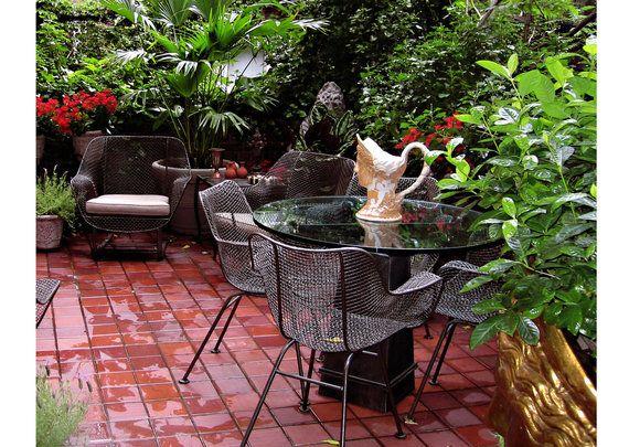 Botero.com..Terrace, Russel Woodard, Athena,Terracotte Floor