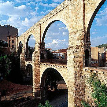 Aqueducto De Los Arcos Teruel Spain Lugares De España Paisajes De España Viajar Por España