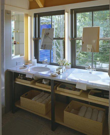 Bathroom Vanity Under Window espelhos na frente da janela - banheiro suite master - double