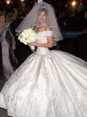 Guess the latina celebrity wedding dress thalia mottola for Guess dresses for wedding