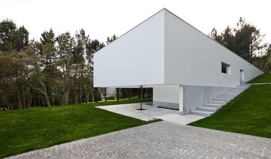 Souto de moura progetta la casa a ponte de lima 3 in for Casa minimalista lima