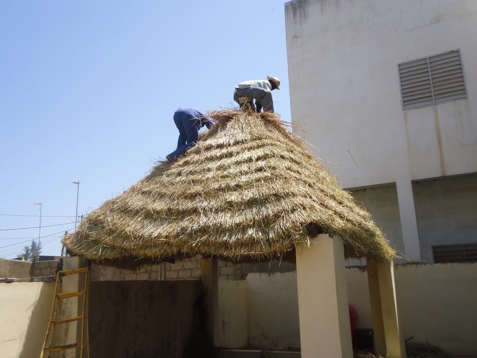 how to thatch a roof with grass