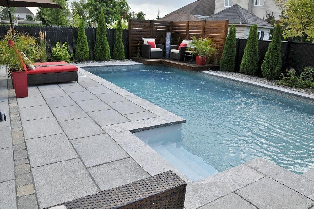 La réalisation de lu0027aménagement paysager autour de cette piscine - amenagement autour piscine hors sol