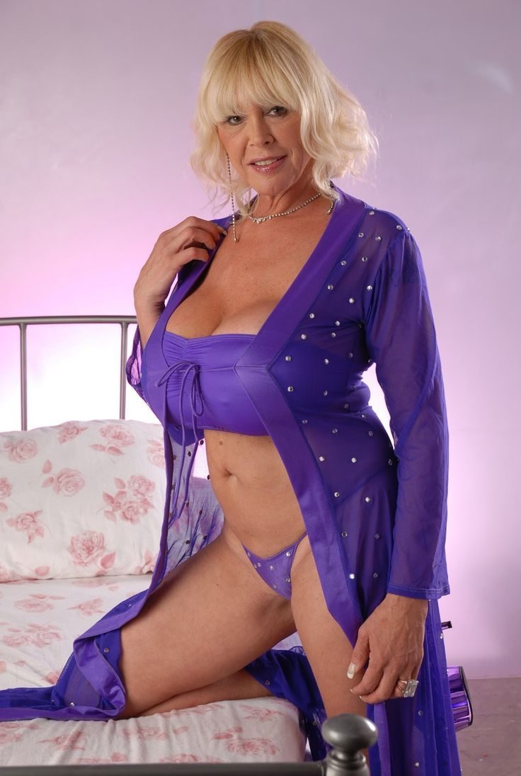 Hot Mom Hookamilf Com Older Womeny Women