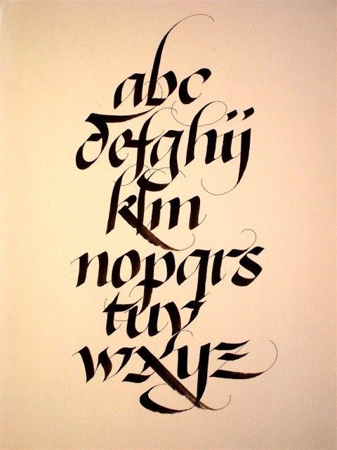 alphabets calligraphie design lettres pinterest. Black Bedroom Furniture Sets. Home Design Ideas