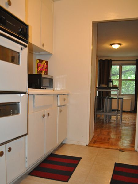 Fantastic Kitchens With Easy Access To Dining Room At Westminster Towers Apartments Elizabeth Nj Http Www Morgan Proper Apartment Communities Home Apartment