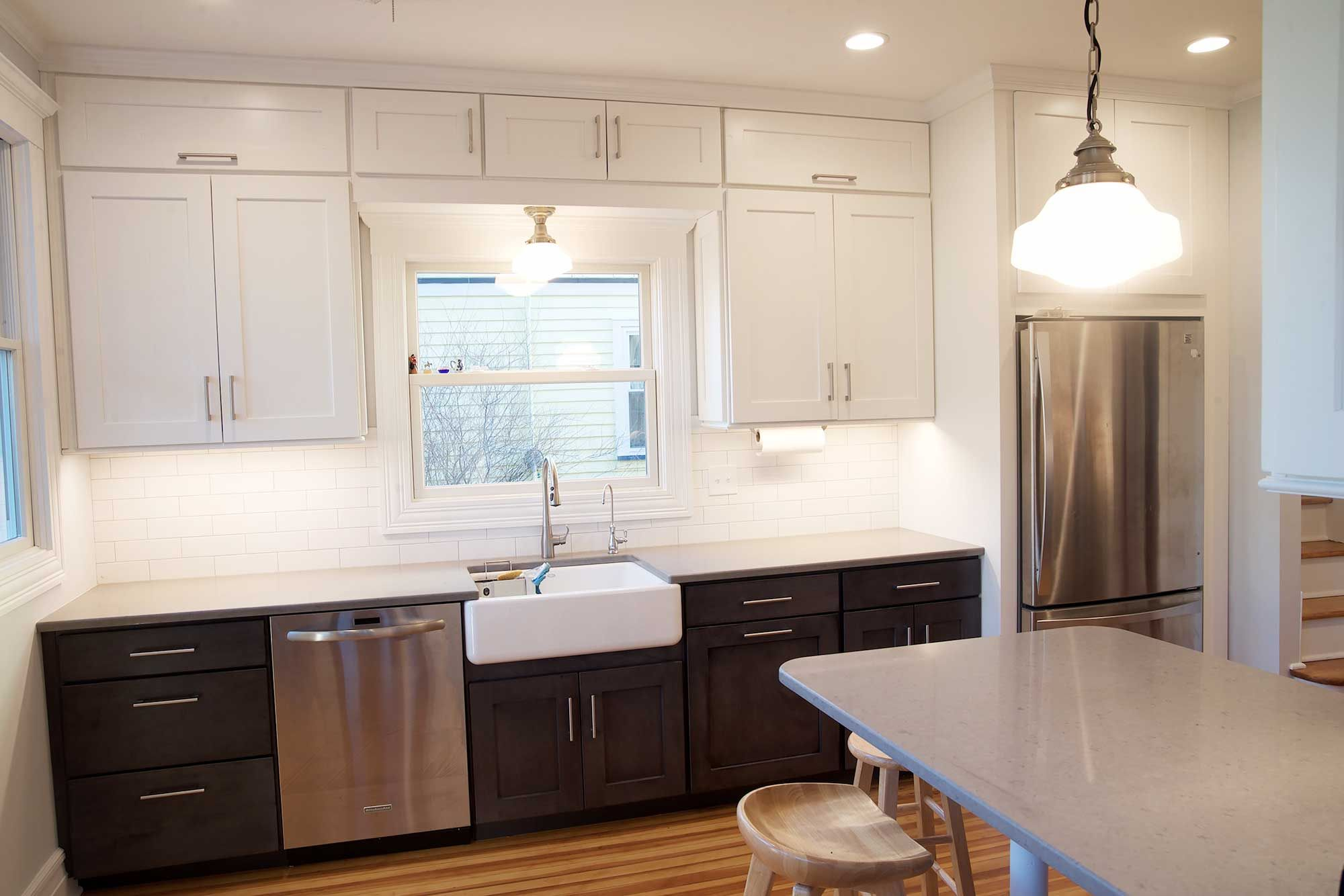 Pin By Ldveezy On Kitchen With Images Classic Kitchens Kitchen Upper Cabinets
