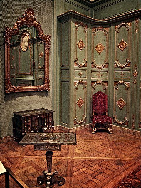 Baroque Living Room Decor: French Interior, Rococo