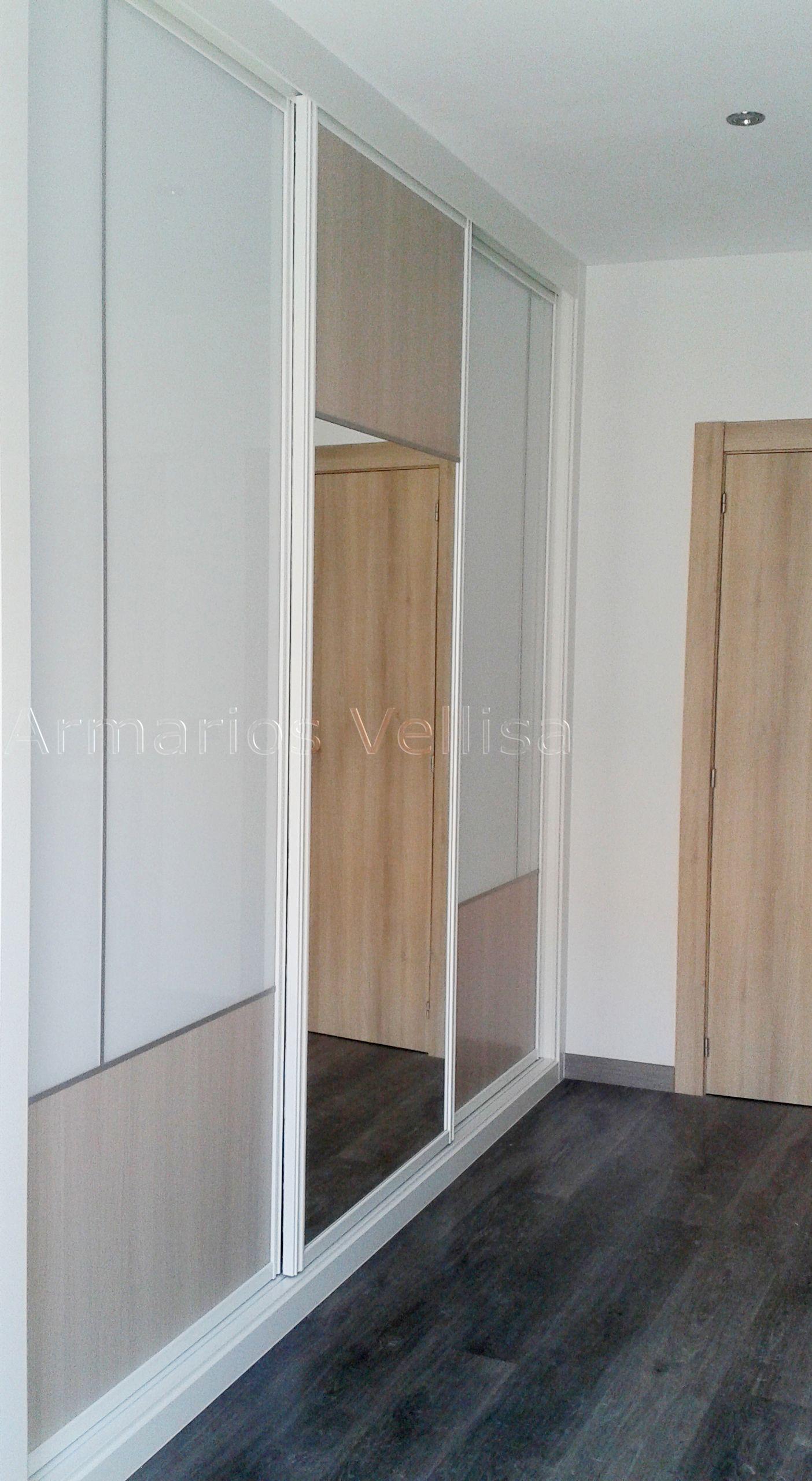 Armario en dormitorio principal. 262 X 290 X 65 Puertas correderas ...