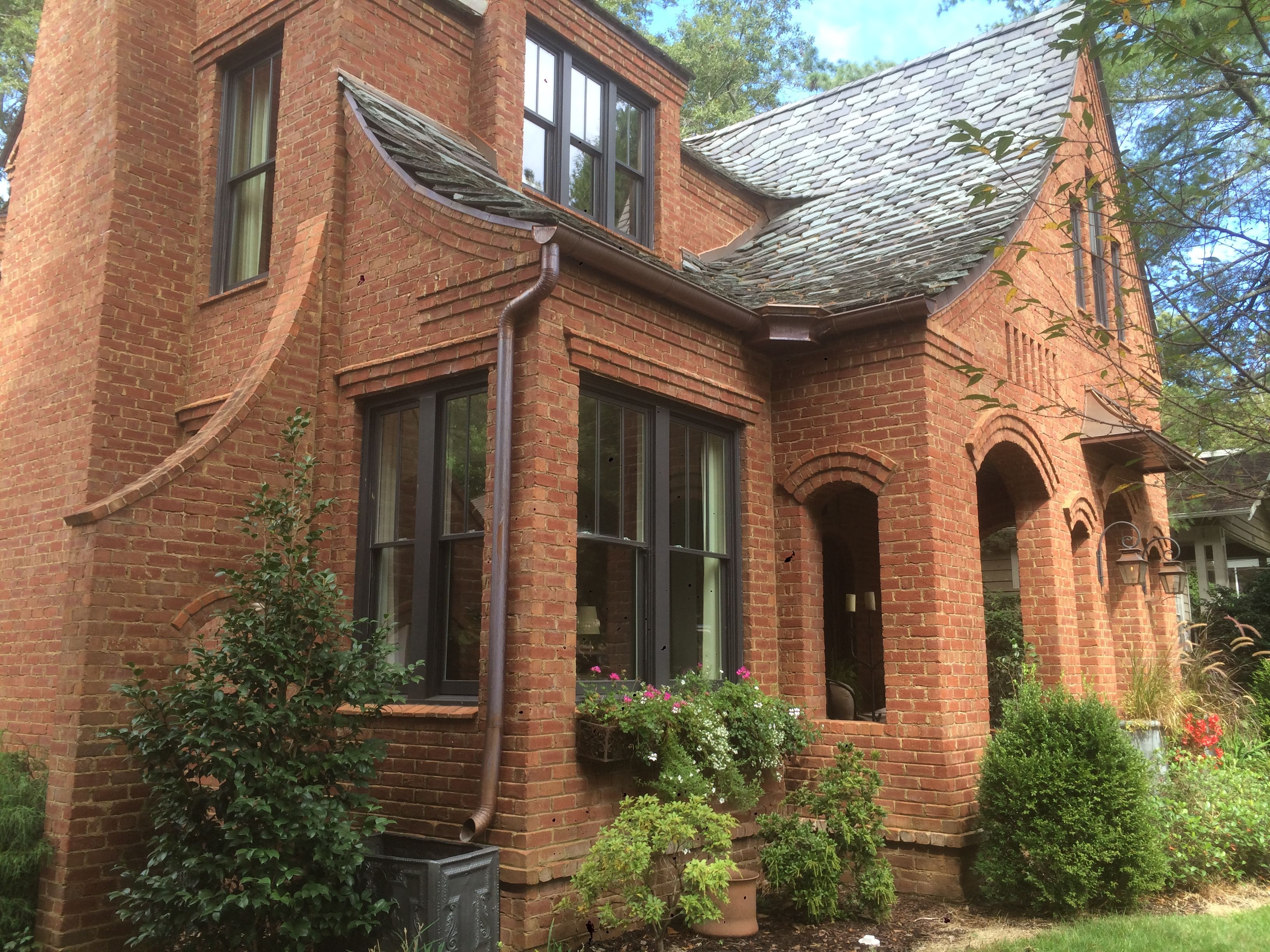 Structural Masonry Home In Decatur Ga Design Build Clay Chapman Hope For Architecture 1000yearhouse Building Design Chapman House House Styles