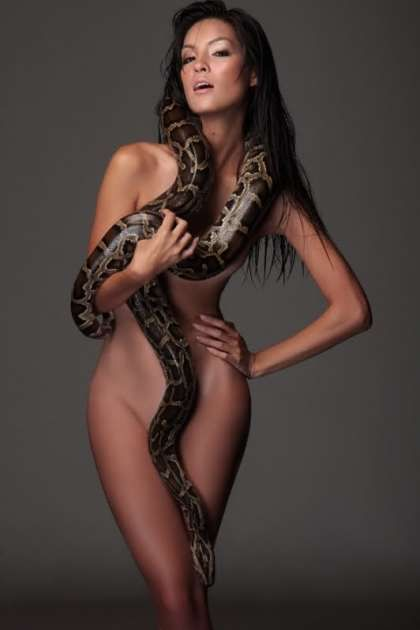 naked women and snakes