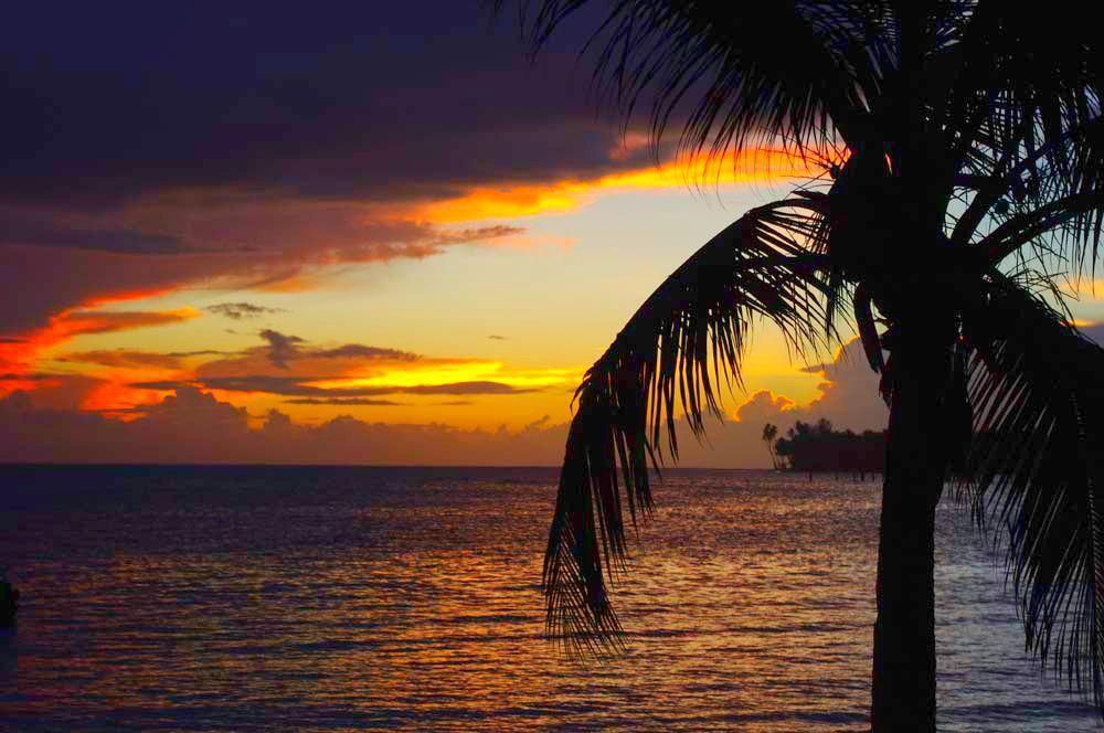 Sinalei sunset in Samoa-heaven
