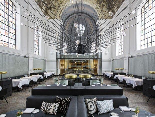 Igreja transformada em restaurante: Tje Jane em Antuérpia, Bélgica.