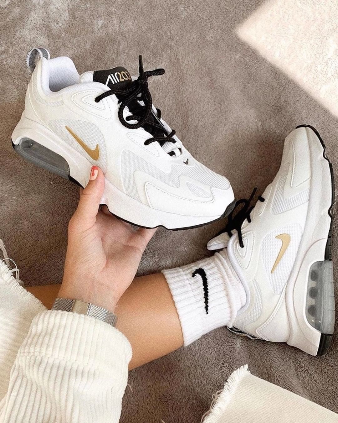 Pin by Ava Mcdonald on shoes in 2020 | Air max sneakers