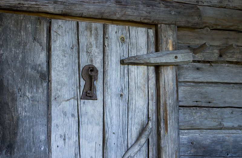 Martinpiha, Sauna Door | by visitsouthcoastfinland #visitsouthcoastfinland #Finland #Lohja #martinpiha #sauna #keyhole #avaimenreikä
