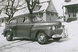 great old car~ anyone know model, year?