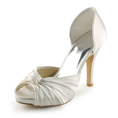 b8c376c9a51 Pin by Patricia Delgado on My dream wedding | Wedding shoes, Bridal ...