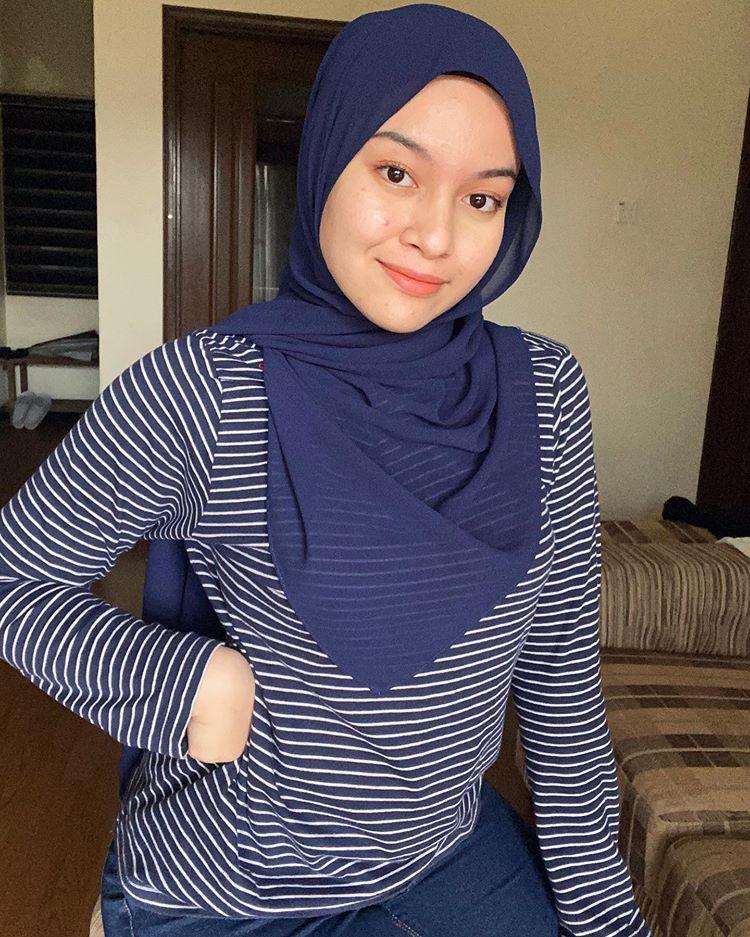 """ϽŽï½•ï½' Ͻï½Žï½‰ï½"""" ϽŽï½ï½'ihah On Instagram Malam In 2020 Hijab Chic Beautiful Hijab Hijab"""