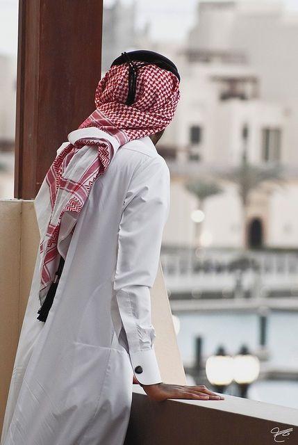 Pin By Sara Jabari On You Shall Be King Arab Men Dress Arab Men Fashion Handsome Arab Men