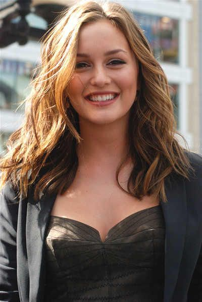 10 Wavy Hairstyles Celebrities Are Doing Right Medium Hair Styles Medium Length Hair Styles Leighton Meester Hair