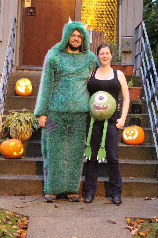 sully mike monsters inc couple costumes - Pregnant Halloween Couples Costumes