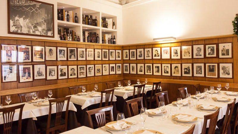Visit Ristorante Alfredo alla Scrofa Roma A table