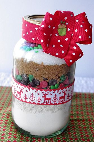 Diy christmas cookies in a jar food her diy ideas gift christmas do diy christmas cookies in a jar food her diy ideas gift christmas do it yourself christmas solutioingenieria