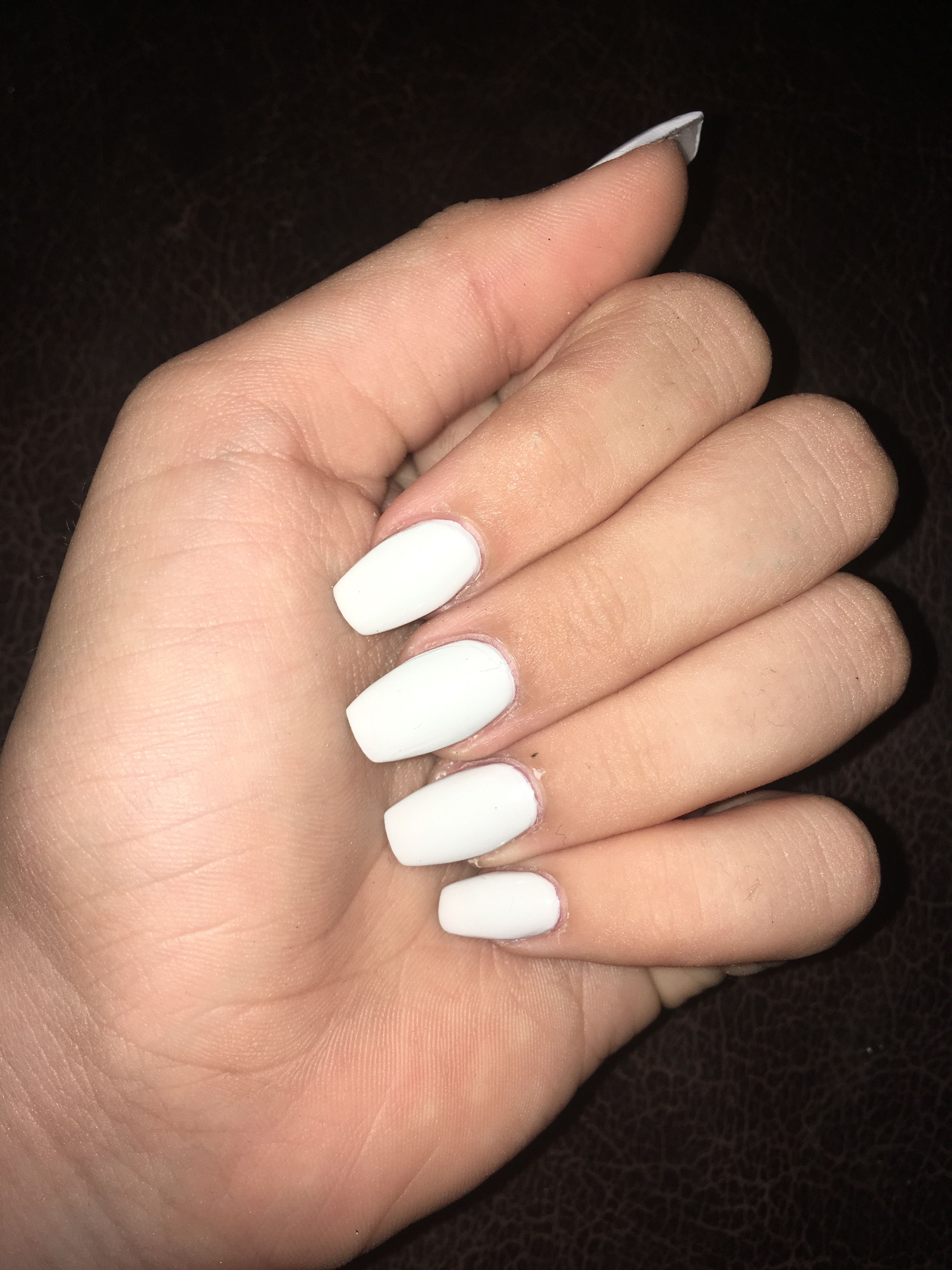 Coffin White Acrylic Nails Acrylicnailsforsummer White Acrylic Nails Summer Acrylic Nails White Coffin Nails