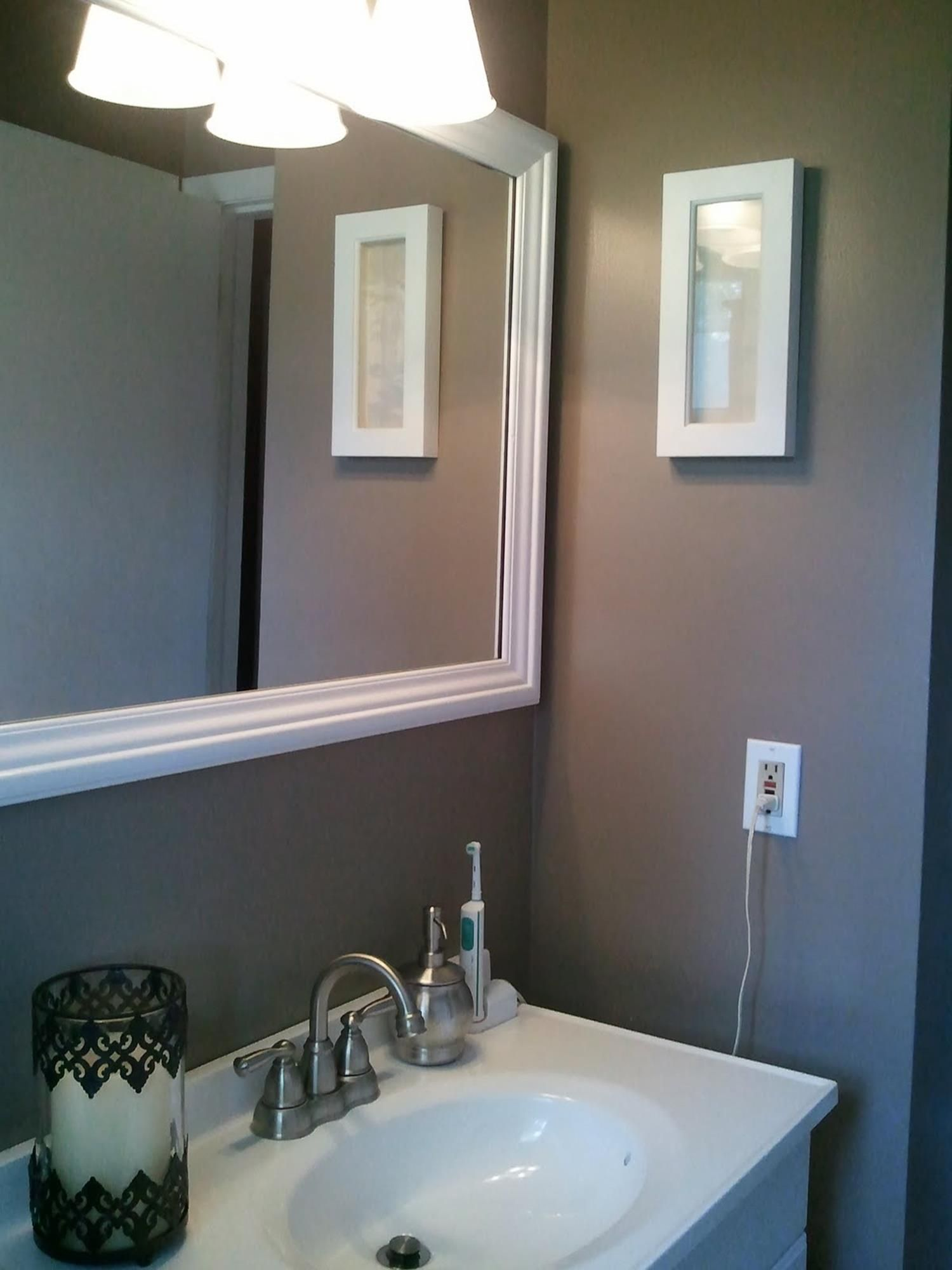 42 Best Paint Colors For Small Bathrooms Your Bathroom Look Clean Decorecord Small Bathroom Colors Bathroom Color Schemes Best Bathroom Colors