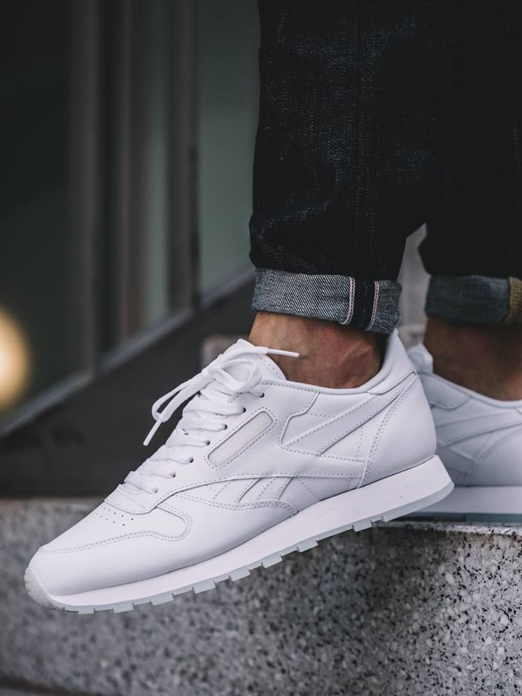 Reebok Classic Leather Mono #sneakernews #Sneakers #StreetStyle #Kicks