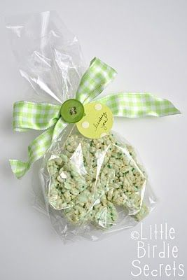 Rice krispie treat shamrock for St Patricks Day - tutorial