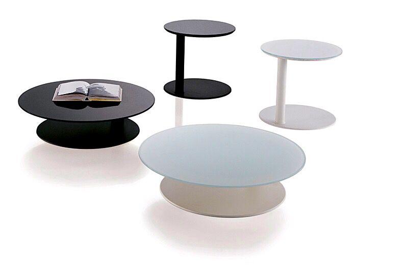 Mesas de centro y auxiliares Kara, diseño de Marc Sadler para