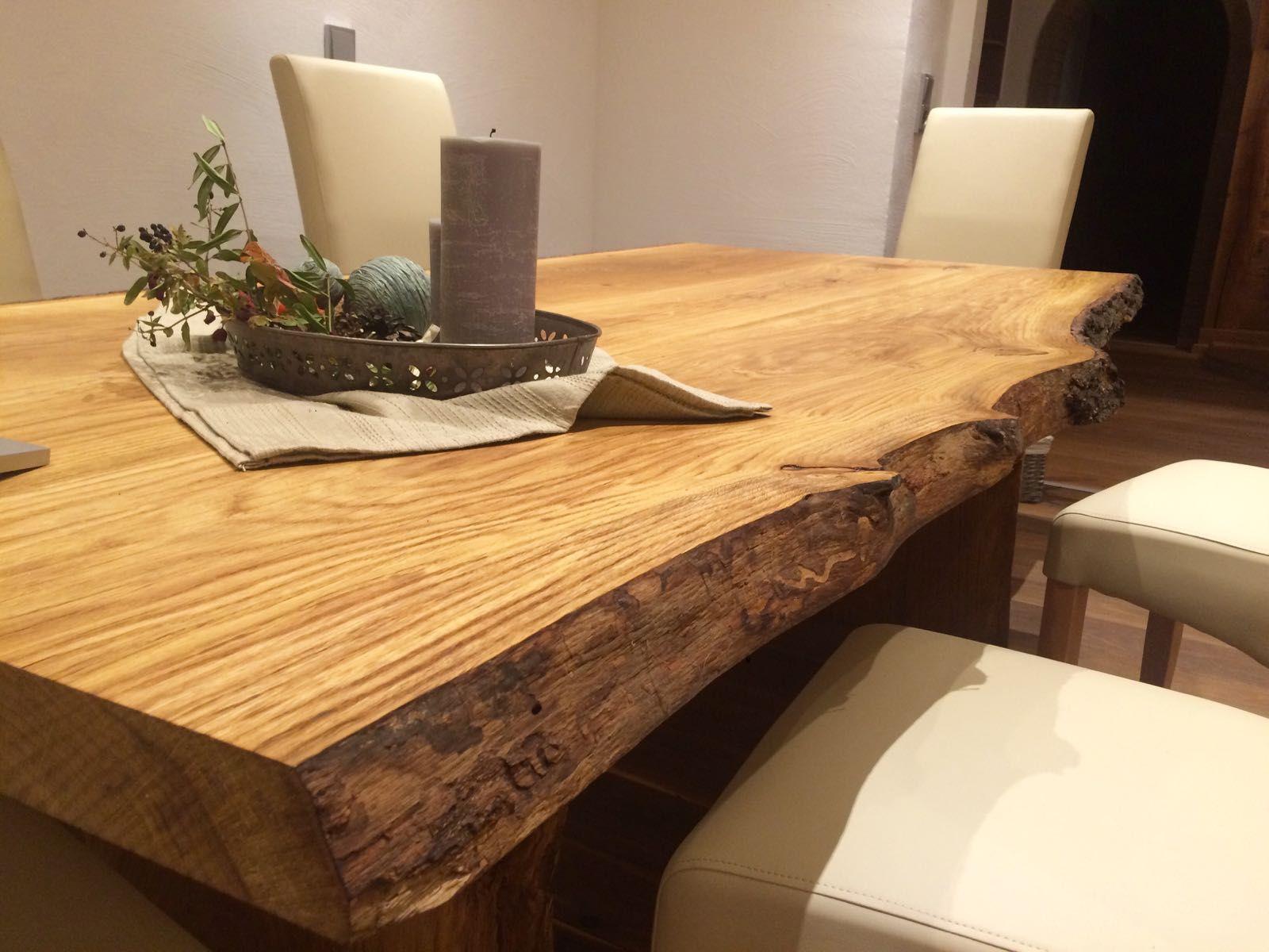 Esstisch aus Eichenholz, mit Baumkante, massiv, geölt ...