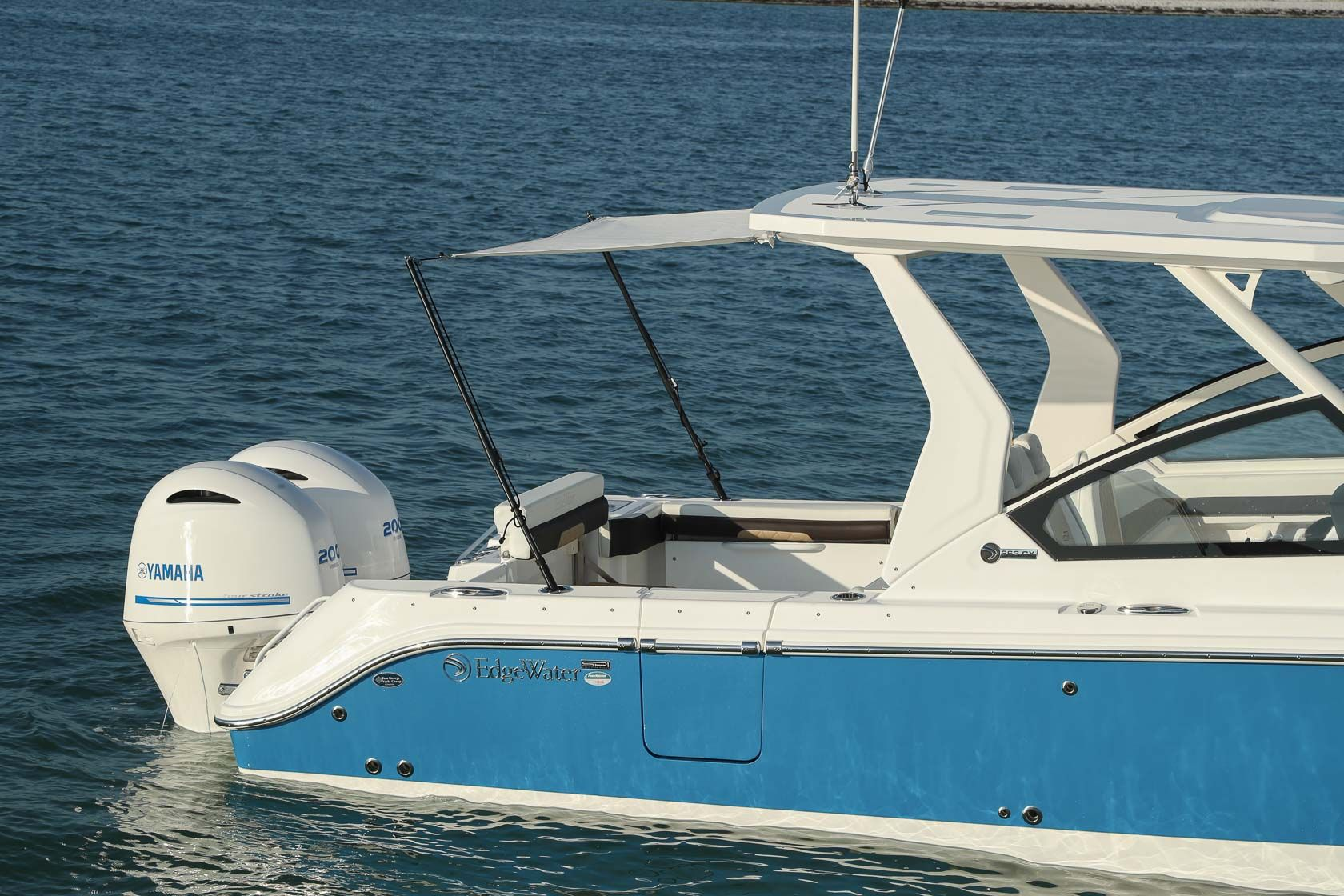 262cx With Images Edgewater Boats Outboard Boats