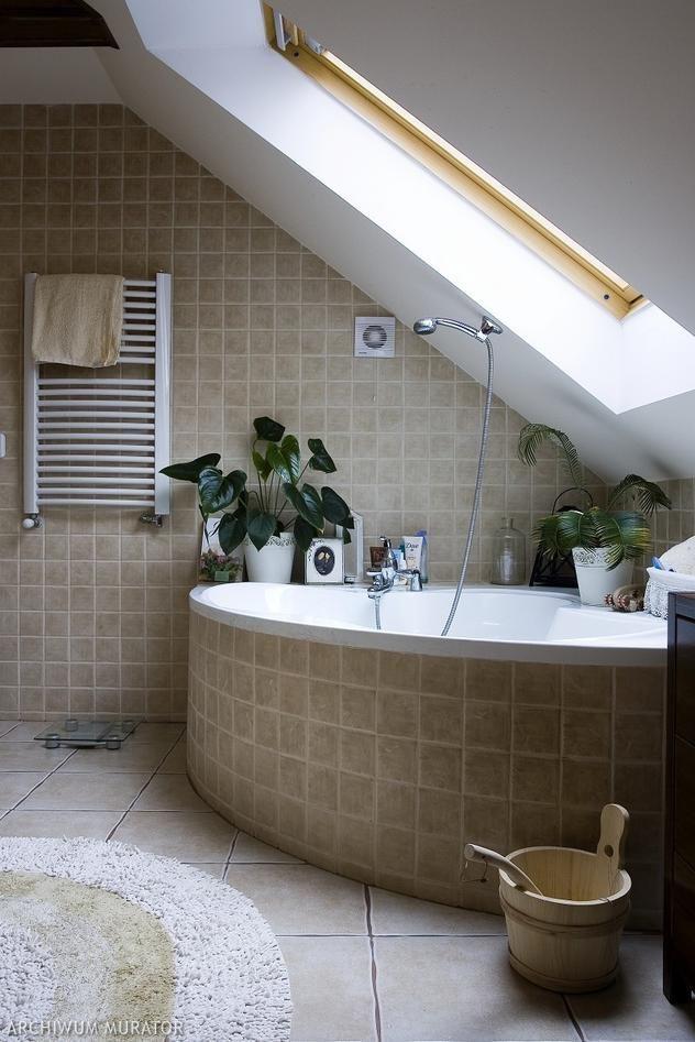 mała łazienka z wanną na poddaszu - Szukaj w Google  Bathroom  Pinterest