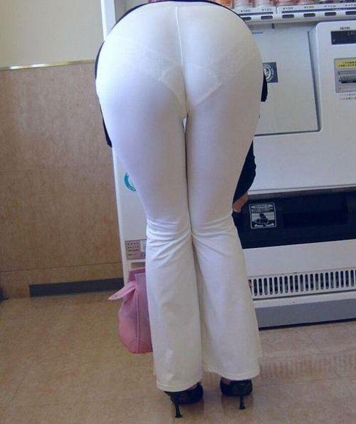 Visible thong public bbw exposed thong 1