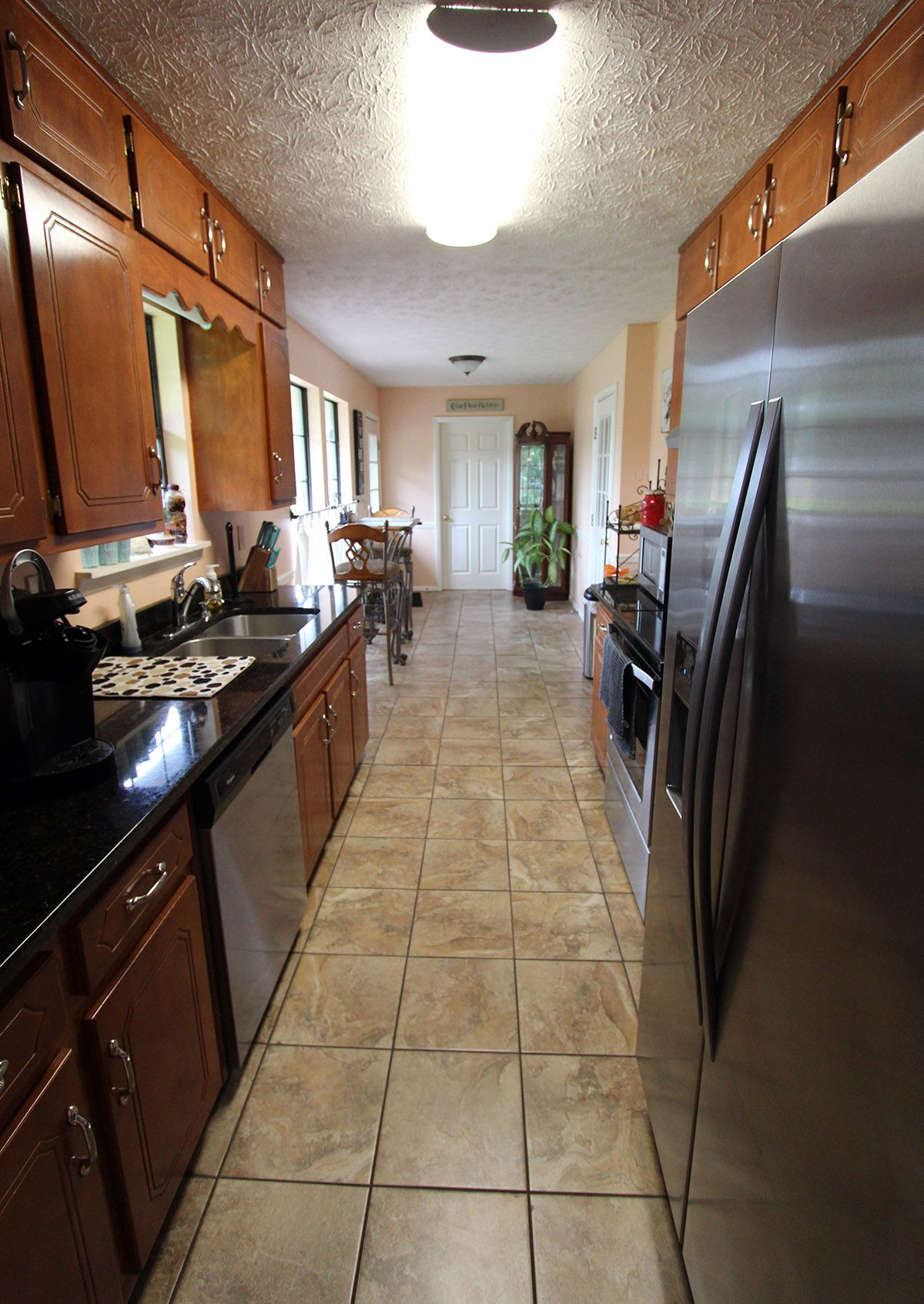 Romina Noce Tile And Ubatuba Granite In This Kitchen Customer Jobs