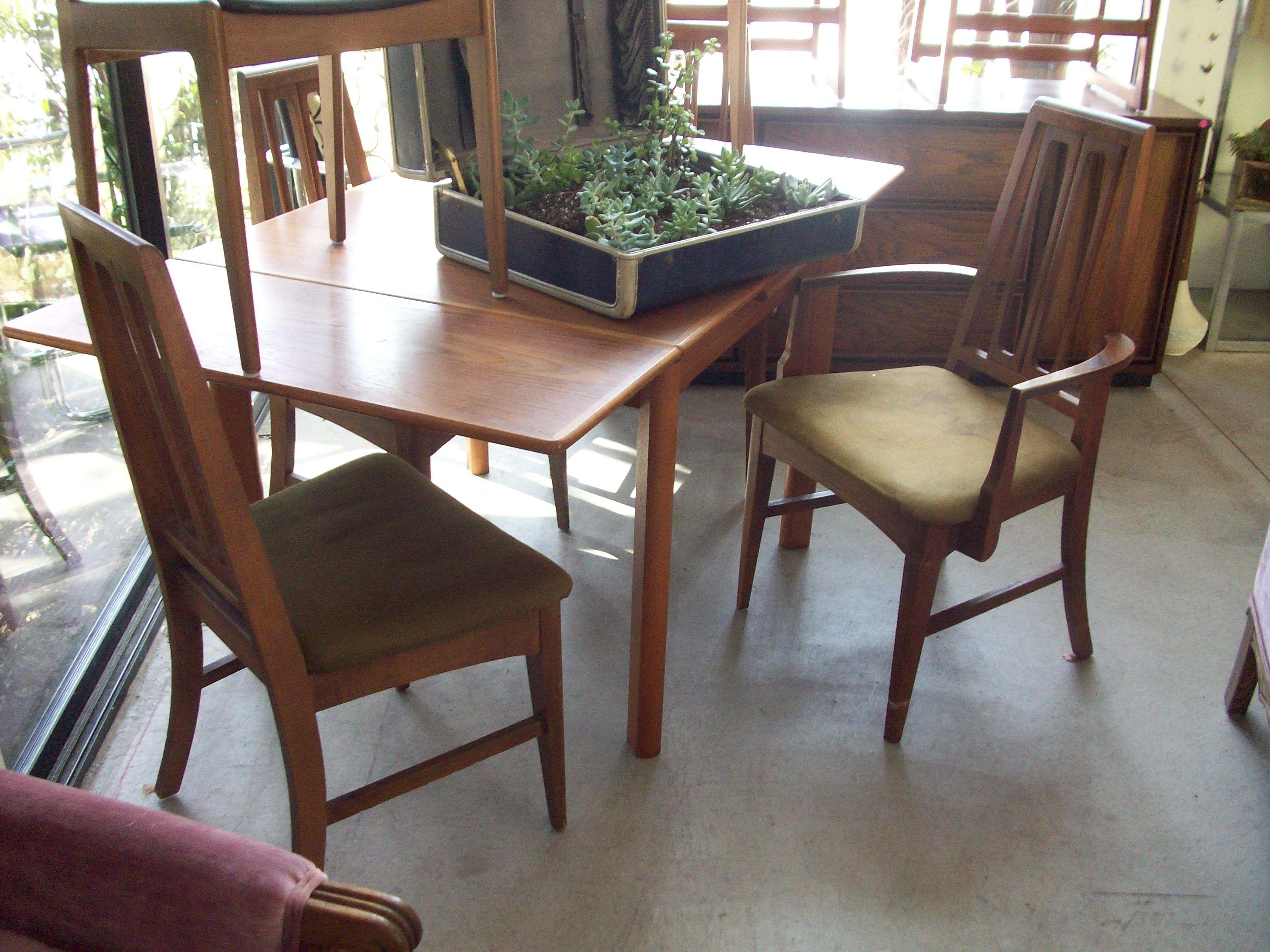 Beau Modern Danish Dining Set... Nest Vintage, San Diego. $375