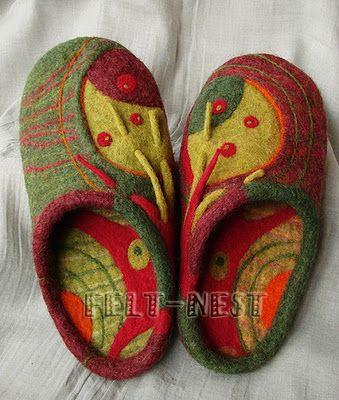 Julia Rossi: Fieltro accesorios  Fabulous slippers Julia!!!