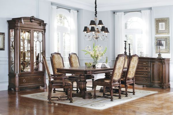 Capri Double Pedestal Dining Room Collection