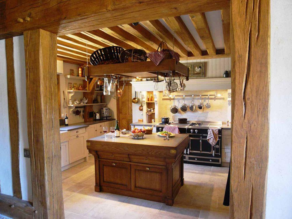 Une cuisine à la mesure d\'un manoir de style campagnard ...