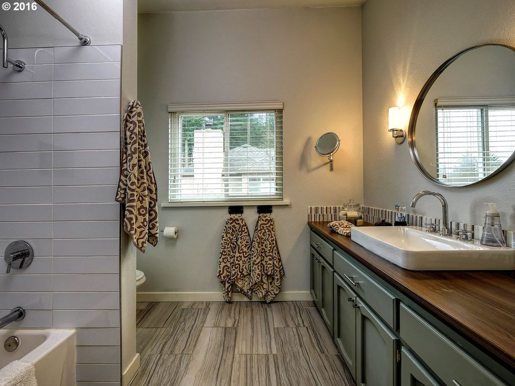 Full Bathroom Designs Extraordinary Transitional Full Bathroom With Specialty Tile Floors Dropin Decorating Design