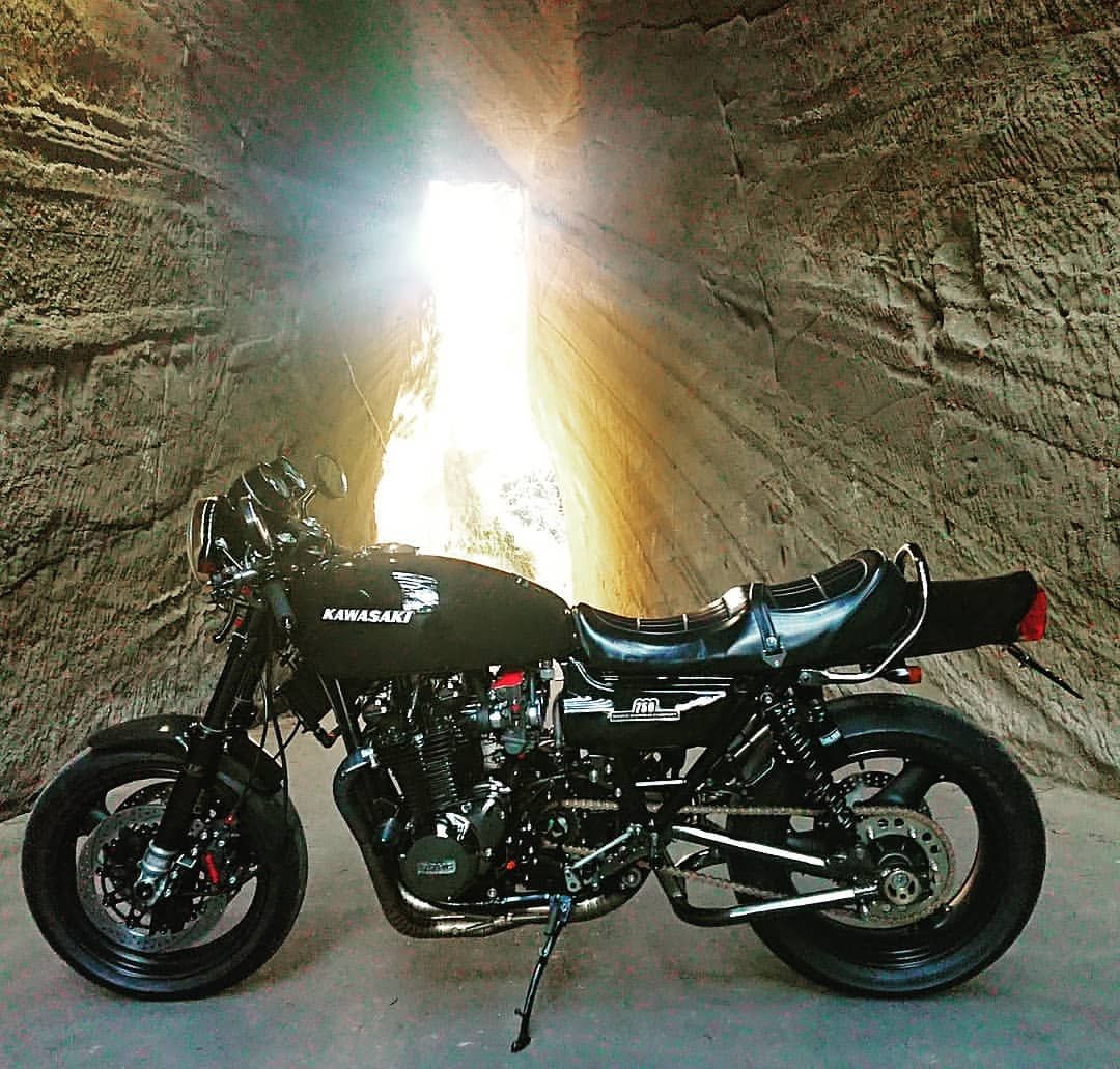 Takroomさんはinstagramを利用しています 題名 千葉県パワースポット ロケ地 燈籠坂大師切通しトンネル 千葉県 バイク Z2 750rs Kawasaki 1974 ここ数年 愛機撮影場所とし Kawasaki Bikes Kawasaki Motorbikes Cb750 Cafe Racer